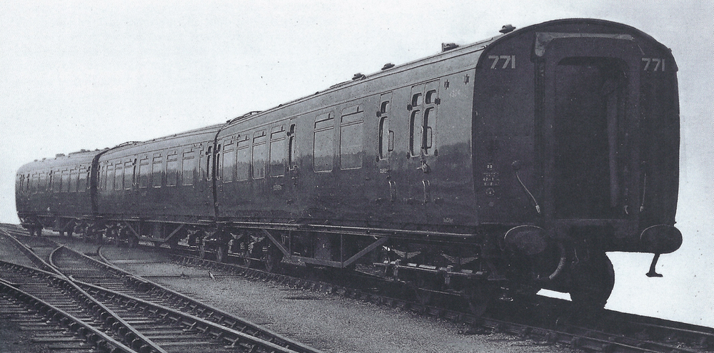 Set no 771 The first three coach set Type L to enter service December 1946